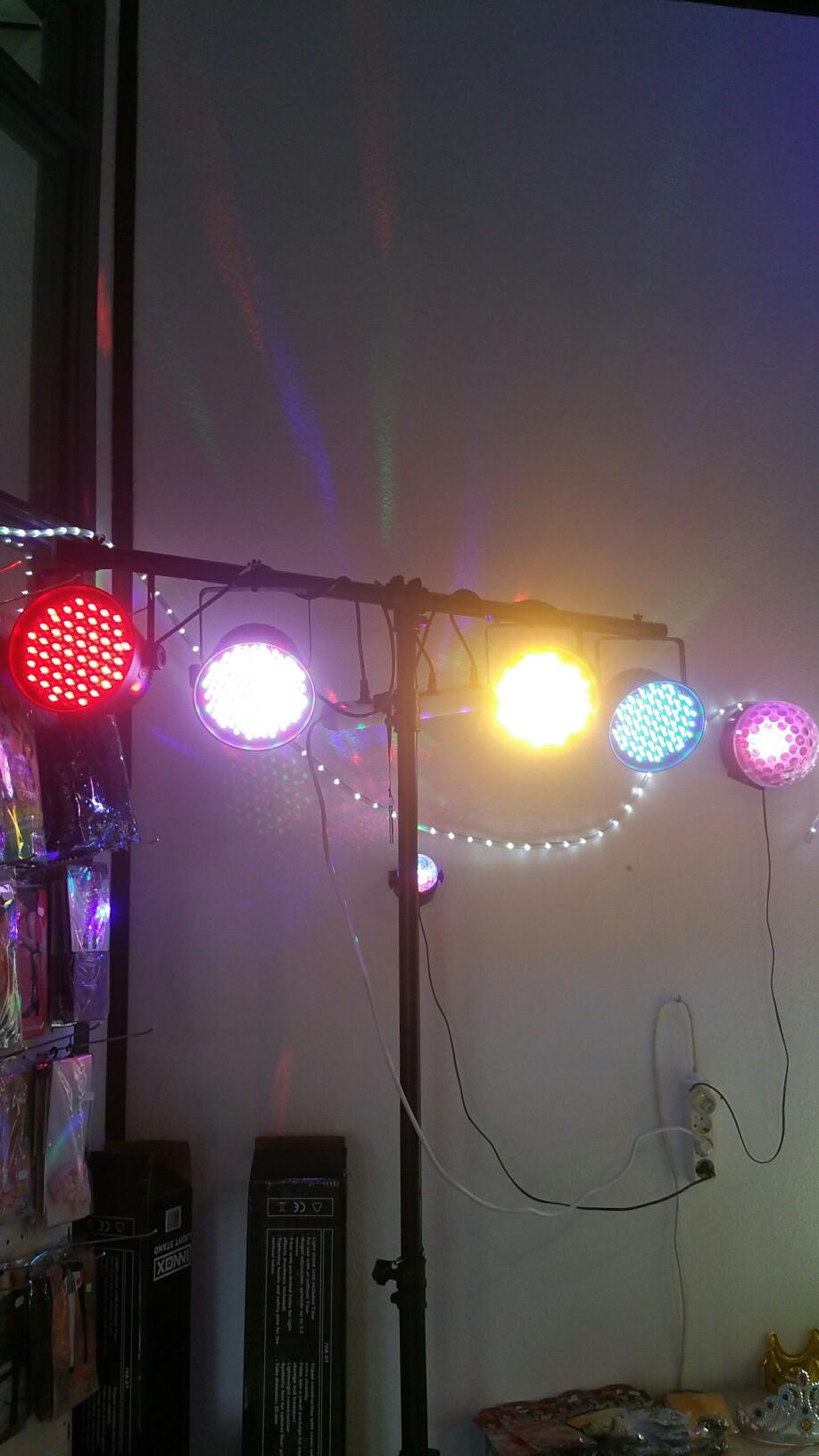 Disco verlichting huren - Feestwinkel de Scharrelboet